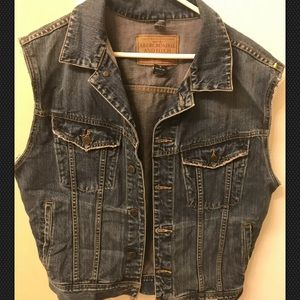 Mens Abercombie And Fitch Bluejean Vest.